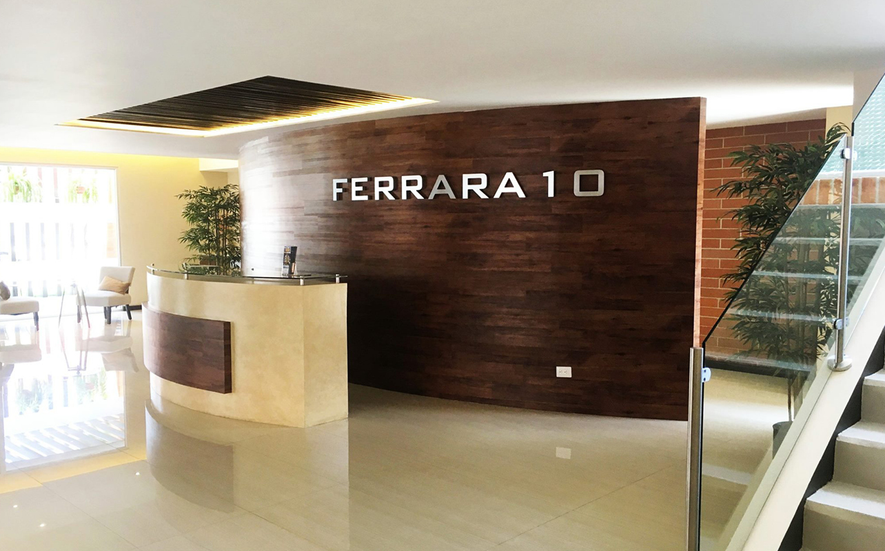 FERRARA 10